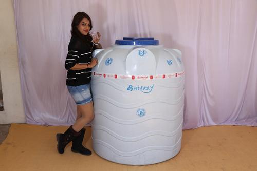 200 litre plastic water storage tank