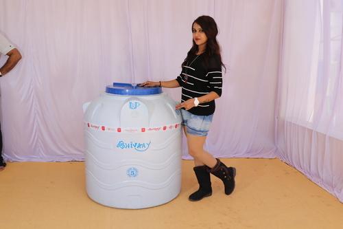 2000 litre plastic water storage tank