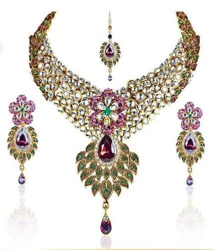Kundan Festive Necklace Set