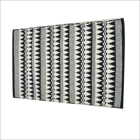 Paddle Triangle Handloom Cotton Rugs