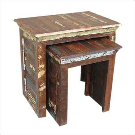 RF8 - Set of 2 Nest Tables