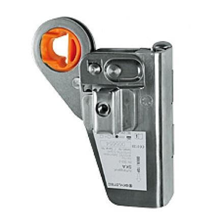 Carabiners & Hardware  L-0058-SK