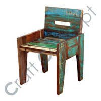 RECLAIM WOODEN CHAIR