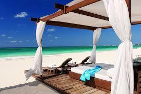 Outdoor Cabana & Umbrella