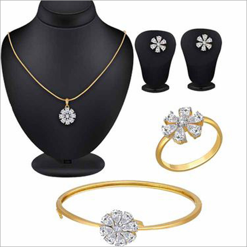 Ladies Jewellery Set And Cleaner