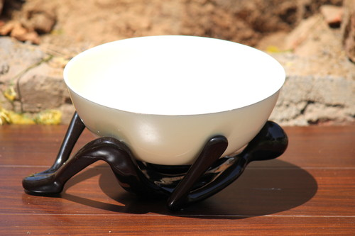 Aluminium Bowl With Stand