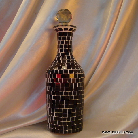 Pretty and decorative Black Mosaic Decanter
