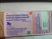 Neosporin Ointment (Neomycin and polymyxin b sulftates and bacitracin zinc opthalmic ointment usp)