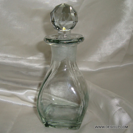 Pretty and Beautiful vintage Chokor Decanter