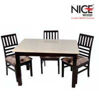 Woode Dinig Table