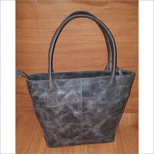 girl`s leather Bag