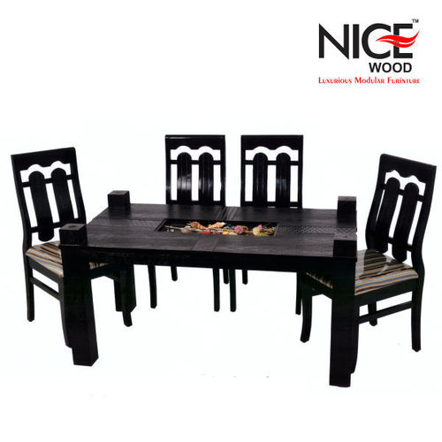 Woode Dinig Table Set