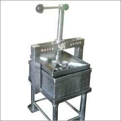 Hand Operated Paneer Press