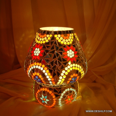 Decorated Dome Shaped Glass Table Lamp
