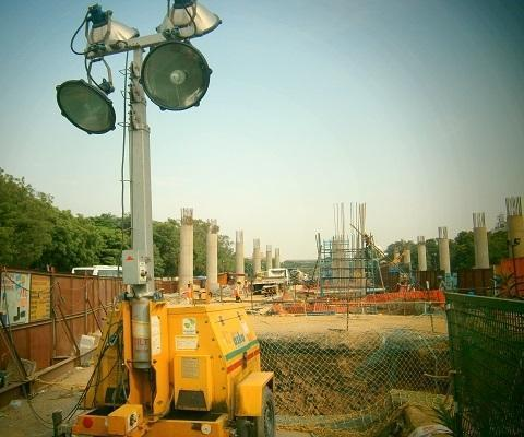 Portable lighting tower with Generator