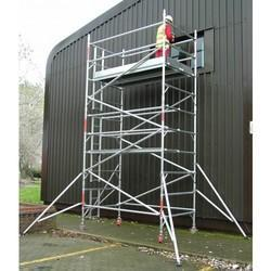 SCAFFOLD WITH TOP PLATFORM