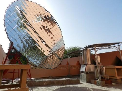Solar Indoor Community Cooker