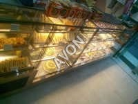 G6.Hot n Cold Display Cabinet (Gold E4)