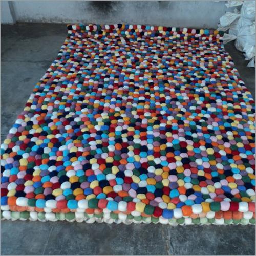 Woollen Saigi