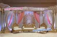 Decorated Thin Pillar Wedding Stage