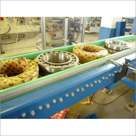 Packaging Machine With Bottom Film