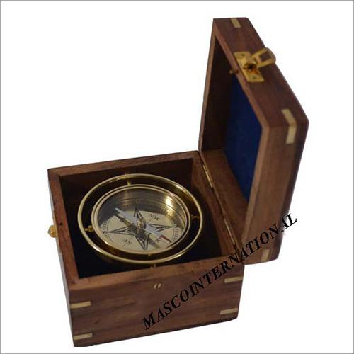 Gimbelled Box Compass