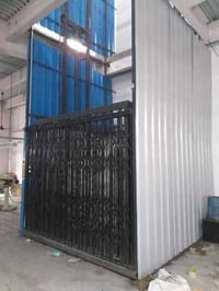 Cage Type Industrial Lift