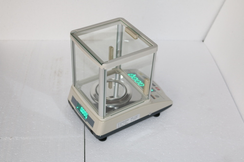 320 G Analytical Lab Balance