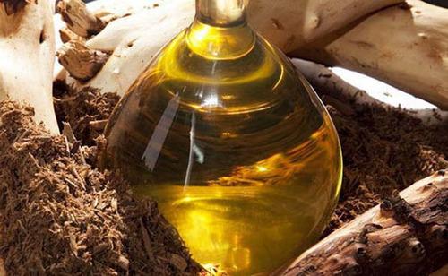 Oud oil