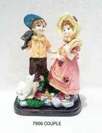Couple Statue