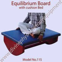 Equilibrium Board with Cushion Bed