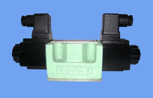 DSG-01-2B2-A120-N1-50 SOLONOID OPERATED DIRECTIONAL CONTROL VALVE