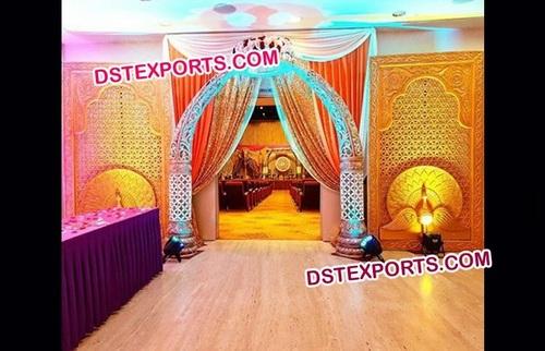 Golden Trunk Pillar Wedding Welcome Gate