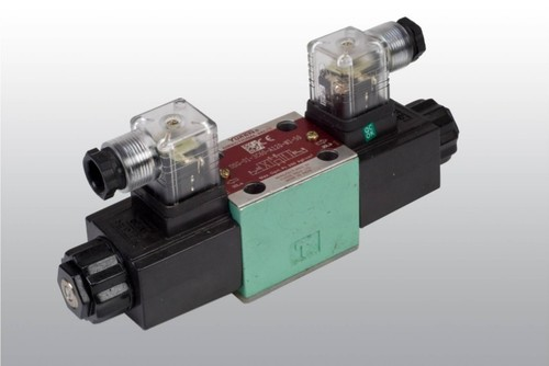 DSG-01-3C60-A120-N1-50 solonoid operated directional control valve