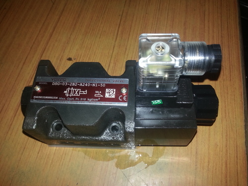DSG-03-2B2-R220-N1-50 solonoid operated directional control valve 03 SIZE