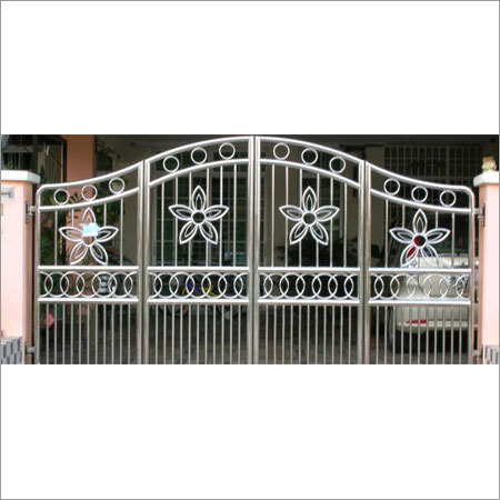 Main Gate - Fabrication