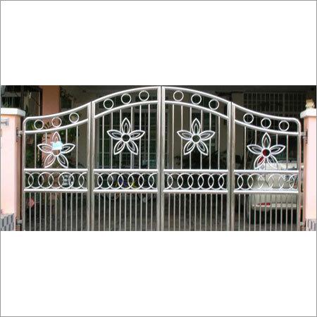 Main Gate - Fabrication