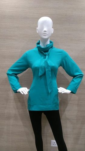 GREEN CREP FOLDED NECK TOP