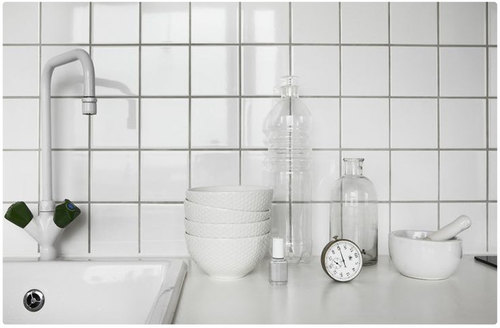 WHITE GLOSS CERAMIC WALL TILE