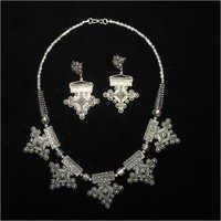 Ladies Black Metal Necklace Set