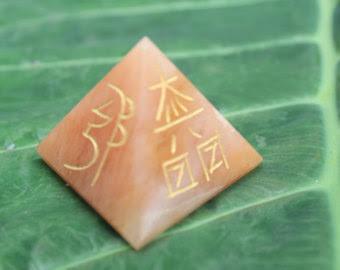 Reiki Usui Pyramid