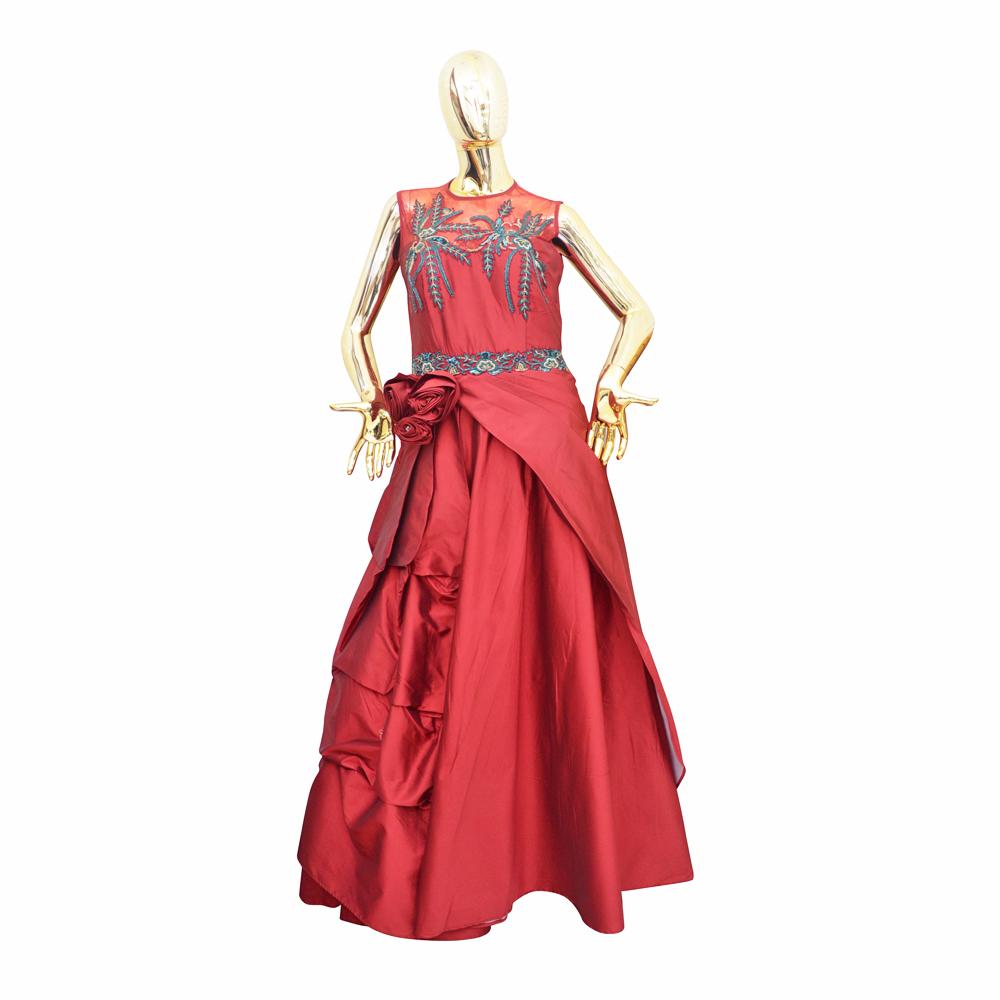 Three Rose Ladies Gown