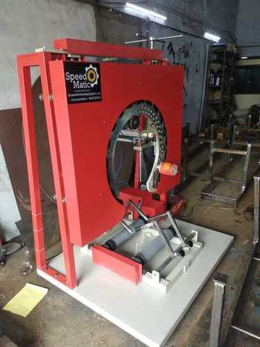 Vertical stretch wrapping machine