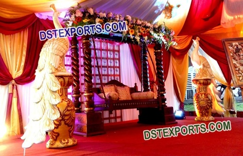 Stylish Stage Decorations For Marriage
