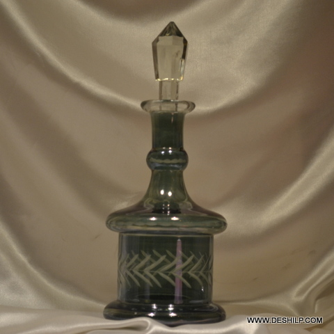 Amber colored glass New Deign Decanter Pretty and decorative vintage Decanter