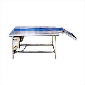 Packing Conveyors with Inclined
