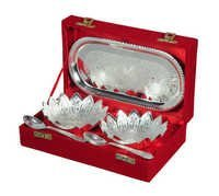 Designer 2 Bowl & Spoon With Tray in Wooden Box gift set
