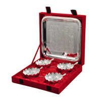 4 Bowl Spoon & Square Tray With Wooden Box Gift Set
