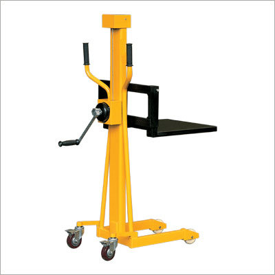 LS-Series Mini Winch Stacker
