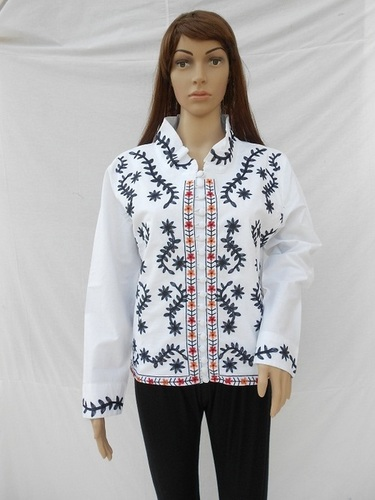 Loose 100% twill cotton jean washed women White custom embroidered denim jacket